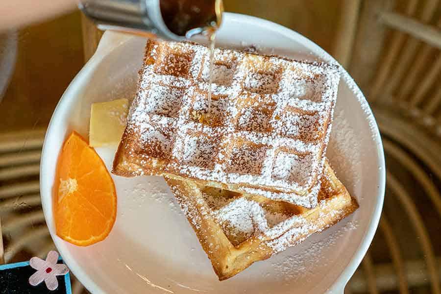 Can-you-make-regular-waffles-in-a-belgian-waffle-maker-yes