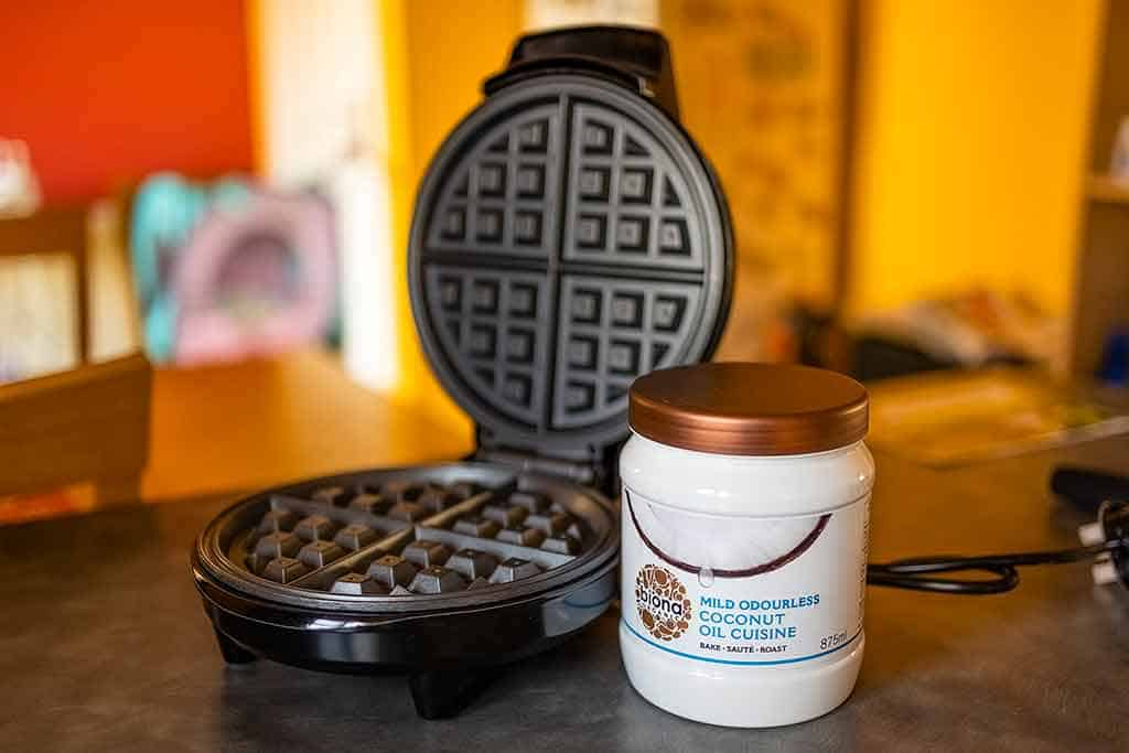Waffle-maker-and-Coconut-oil