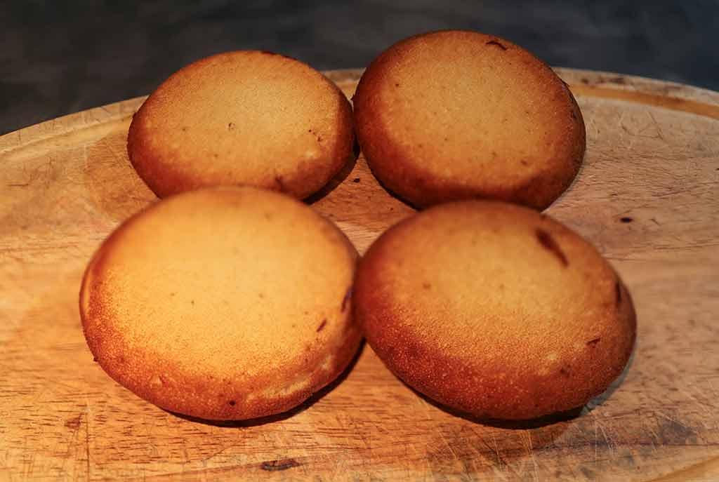 yorkshire-pudding-waffles-bottoms